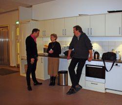 Gespräche am Rande: ( von links) Jan Pastoors ( Geschäftsführer BGZ), Hannelore Bobeck ( 2. Vorsitzende Kulturhaus Süderelbe), Stephan Kaiser ( 1. Vorsitzender Kulturhaus Süderelbe)