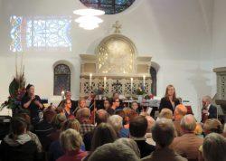 Miriam Kehrberger dirigiert ein eigens zusammengestelltes Orchester: Händels Wasser- und Feuermusik!