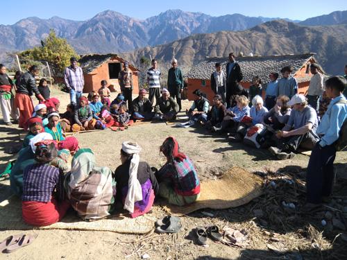 Besuch des Nepalteams bei seinen Partnern in Ranivan Landkreis Dailekh / Westnepal